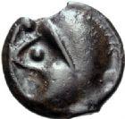 Photo numismatique  MONNAIES GAULE - CELTES SENONES (région de Sens)  Potin à la tête casquée.