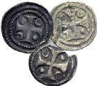 Photo numismatique  ARCHIVES VENTE 2015 -19 juin BARONNIALES Comté de HAINAUT MAILLES MUETTES (fin XIIe - début XIIIe) Lot de 3 mailles.