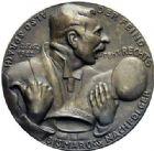 Photo numismatique  ARCHIVES VENTE 2015 -19 juin MEDAILLES MEDAILLES SATIRIQUES ALLEMANDES Médailles de Karl Goetz Les ennemis du droit, 25 juin 1922. Dr Wirth-, der Feind steht rechts.
