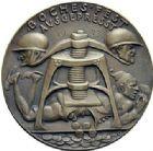 Photo numismatique  ARCHIVES VENTE 2015 -19 juin MEDAILLES MEDAILLES SATIRIQUES ALLEMANDES Médailles de Karl Goetz Le français «suceur de sang», 1923. Blutsauger am Rhein.