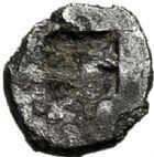 Photo numismatique  VENTE 6 oct 2017 - Coll Dr Y. Goalard et divers GRECE ANTIQUE GAULE Types du trésor d'Auriol (Ve siècle) 3- Tritémorion phocaïque au casque allongé, (475-465).