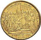 Photo numismatique  VENTE 9 mars 2018 - Coll. Dr P. Corre et divers JETONS et MEDAILLES RARES LOUIS XV (1er septembre 1715-10 mai 1774)  316-  Jeton en or par J.C. Roettiers.