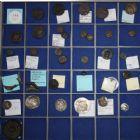 Photo numismatique  ARCHIVES VENTE 12 juin 2018 GRANDS LOTS DE MONNAIES ET MÉDAILLES MONNAIES GRECQUES  484- Grand lot de 35 monnaies, Grèce, Byzance poids.