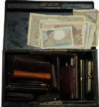 Photo numismatique  VENTE 12 juin 2018 GRANDS LOTS DE MONNAIES ET MÉDAILLES CONTENANTS DE MONNAIES et Billets  504- Collection de 77 contenants et divers, en un seul lot.