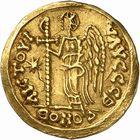 Photo numismatique  ARCHIVES VENTE 2009 -Coll B Chwartz 1 PEUPLES BARBARES FRANCS Epoque de THIERRY Ier (511-533), roi d'Austrasie 8- Solidus au nom de Justin Ier (518-527)