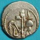 Photo numismatique  MONNAIES RÉPUBLIQUE ROMAINE JULES CESAR (100-44)  Denier frappé vers 49-48.
