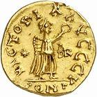 Photo numismatique  ARCHIVES VENTE 2010 -Amateur B 1 et B Chawartz 2 PEUPLES BARBARES BURGONDES Monnayage de GONDEMAR (524-534) 23- Tremissis au nom de Justin Ier (518-527), probablement émis à Genève.