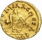 Photo numismatique  ARCHIVES VENTE 2010 -Amateur B 1 et B Chawartz 2 PEUPLES BARBARES BURGONDES Monnayage de GONDEMAR (524-534) 27- Tremissis au nom de Justinien Ier (527-565), émis à Lyon, seconde officine.