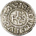 Photo numismatique  ARCHIVES VENTE 2010 -Amateur B 1 et B Chawartz 2 CAROLINGIENS CHARLES, empereur (875-877 - 884-887)  67- Denier de Chalon-sur-Saône (Saône-et-Loire), émis après 875.