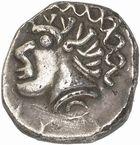 Photo numismatique  ARCHIVES VENTE 2010 -Amateur B 1 et B Chawartz 2 IBERIE- GAULE - CELTES VOLQUES TECTOSAGES (région de Toulouse)  104- Drachme au type « à la tête négroïde », série 2.