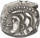 Photo numismatique  ARCHIVES VENTE 2010 -Amateur B 1 et B Chawartz 2 IBERIE- GAULE - CELTES VOLQUES TECTOSAGES (région de Toulouse)  107- Drachme de style « languedocien », série 2 à la fleur de lis.