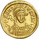 Photo numismatique  ARCHIVES VENTE 2010 -Amateur B 1 et B CHWARTZ 2 PEUPLES BARBARES Les OSTROGOTHS Epoque de THEODORIC Ier le Grand (493-526) 120- Solidus au nom de Zénon (474-491), frappé à Pavie.