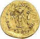 Photo numismatique  ARCHIVES VENTE 2010 -Amateur B 1 et B CHWARTZ 2 PEUPLES BARBARES LOMBARDS  129-Tremissis au nom de Justinien Ier (527-565).