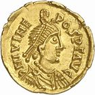 Photo numismatique  ARCHIVES VENTE 2010 -Amateur B 1 et B Chawartz 2 PEUPLES BARBARES VISIGOTHS Epoque d'EURIC (466-484), roi de Toulouse 151- Tremissis au nom de Julius Nepos (474-475), imitation de la pièce émise à Rome.