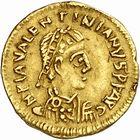 Photo numismatique  ARCHIVES VENTE 2010 -Amateur B 1 et B CHWARTZ 2 PEUPLES BARBARES VISIGOTHS Epoque d'EURIC (466-484), roi de Toulouse 153- Tremissis au nom de Valentinien III (439-455), émis vers 475.