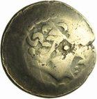 Photo numismatique  ARCHIVES VENTE 2011 -Coll Amateur Bourguignon 2 GAULE - CELTES EST de la Gaule (entre Seine et Rhin) (2ème siècle et 1er tiers du 1er siècle avant J. –C.) 24- Statère d'or au croissant.